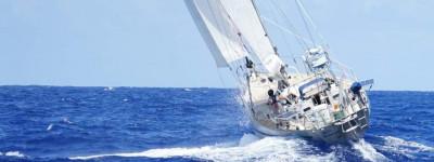 Zeiler Randall Reeves zeilt met zijn zeilschip rond de Amerika's en Antarctica